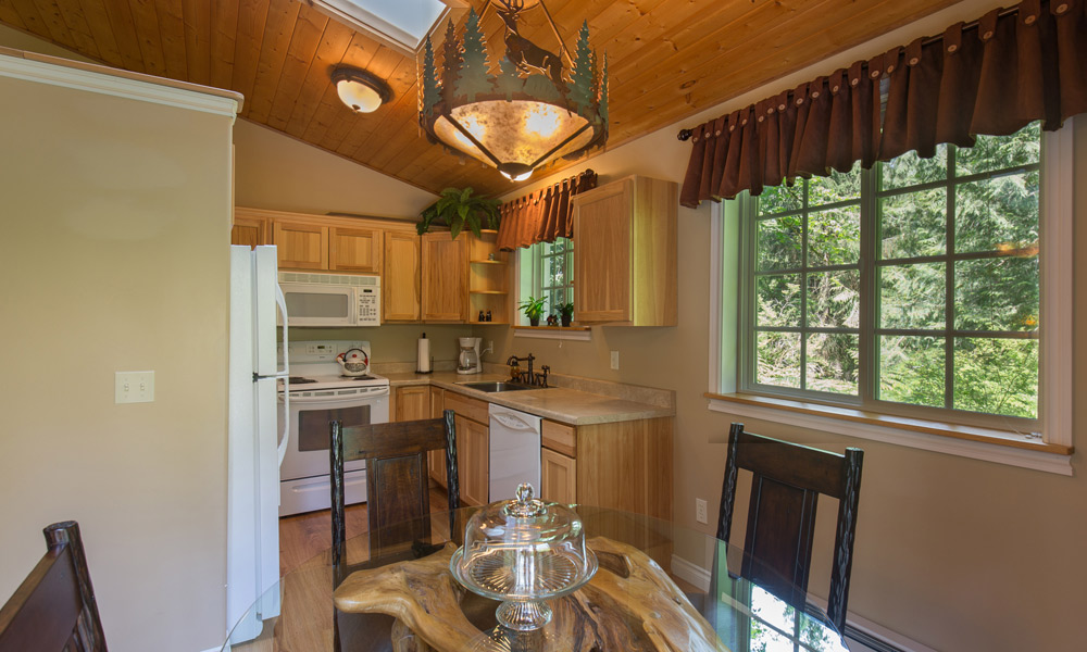 Woodland Retreat Cottage Kitchen
