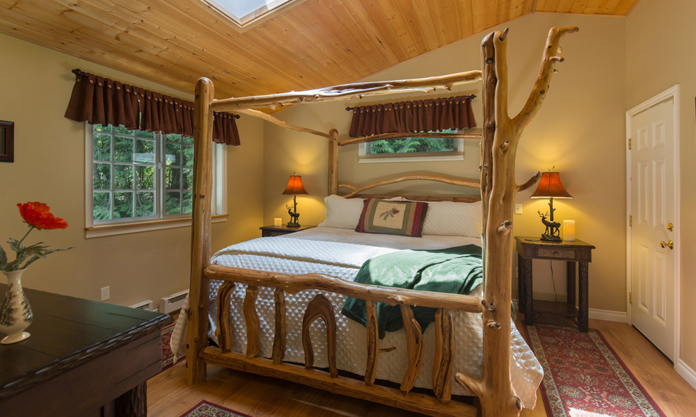 Woodland Retreat Cottage Bedroom